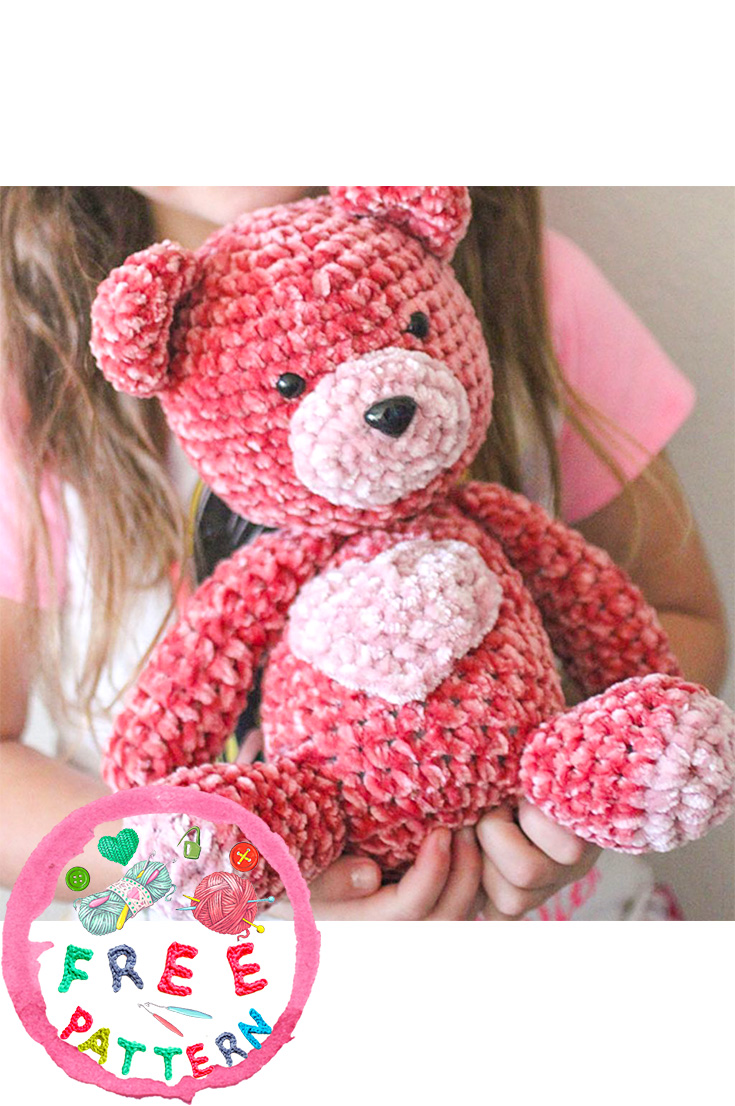 free-knitting-pattern-teddy-bear-in-velvet-2020
