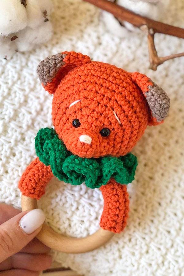 free-amigurumi-bear-baby-rattle-crochet-pattern