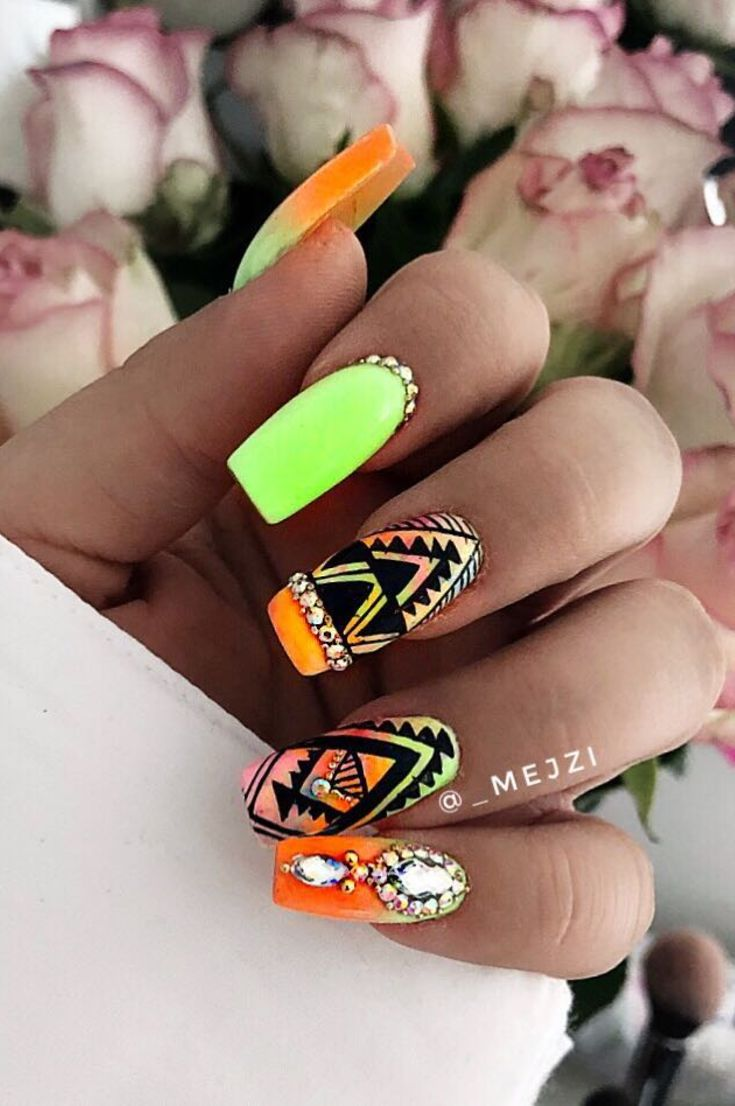 nails-art-design-35-new-free-idea-current-trends-according-to-seasons-in-manicure-2019
