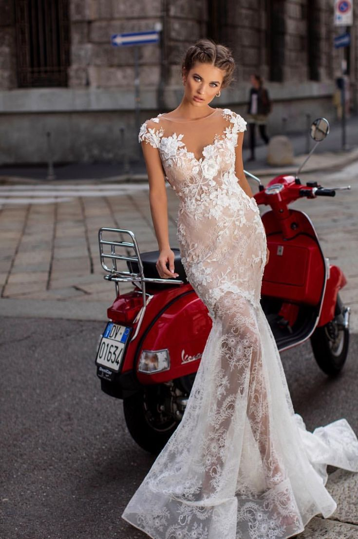 wedding-dress-fashion-italy-venice-fashion-wedding-dress-lace-gown-and-sleeves-new-2019